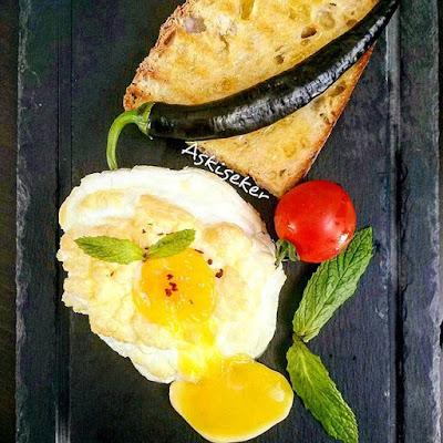 BULUT YUMURTA Tarifi nasıl yapılır kolay lezzetli nefis videolu yumurta kahvaltılık yemek tarifleri