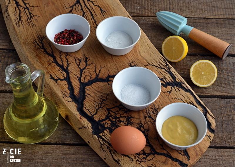 wielkanocn, jajka wielkanocne, jajka faszerowane, jajka z majonezem, wielkanocne sniadanie, zyie od kuchni, ziolowy majonez, zielony majonez,