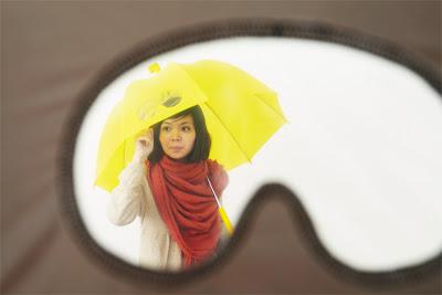 Diseño divertido de paraguas para mojarse menos