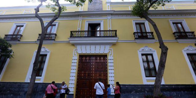 Venezuela rechaza retiro del embajador Diego Molero en Perú