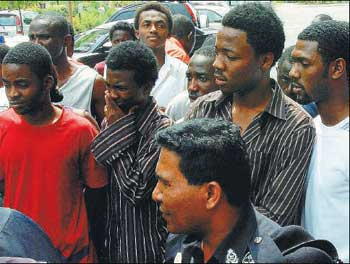 nigerian fraudsters arrested malaysi