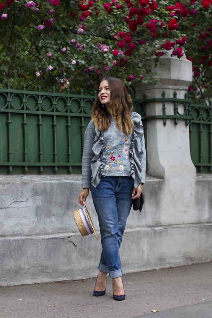 adina nanes boyfriend jeans