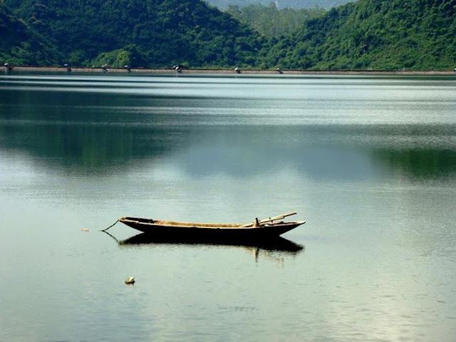 Kết quả hình ảnh cho Hồ Yên Quang – động Phò Mã