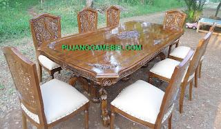 Meja makan rintik kursi 8