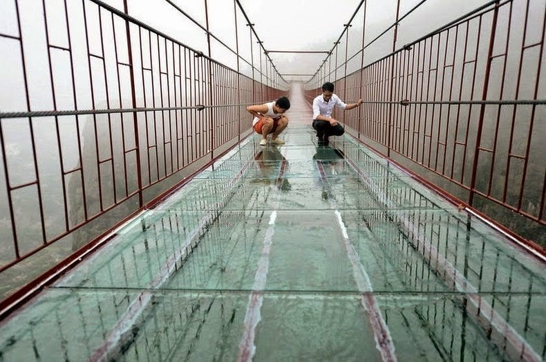 Would your knees get a little weak? - A Vertigo-Inducing Bridge Opened in China. Would You Walk Across?