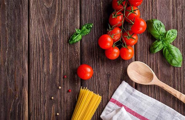 Manfaat Buah Tomat Untuk Kesehatan dan Kecantikan