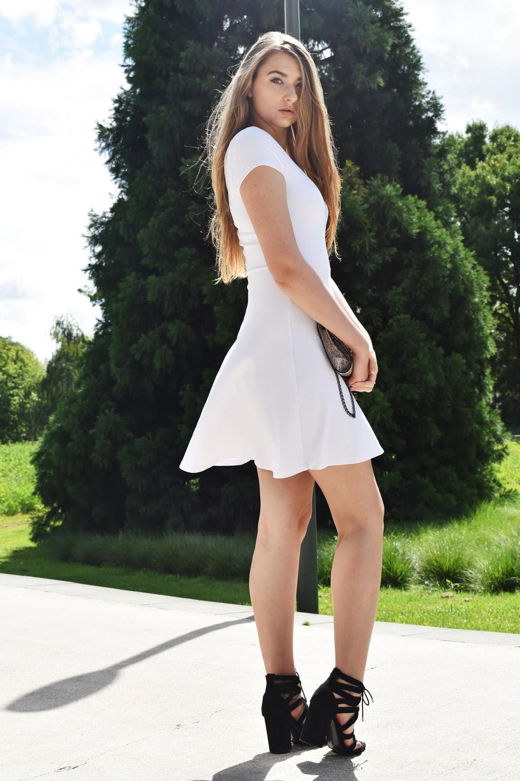 BIAŁA SUKIENKA | WHITE DRESS