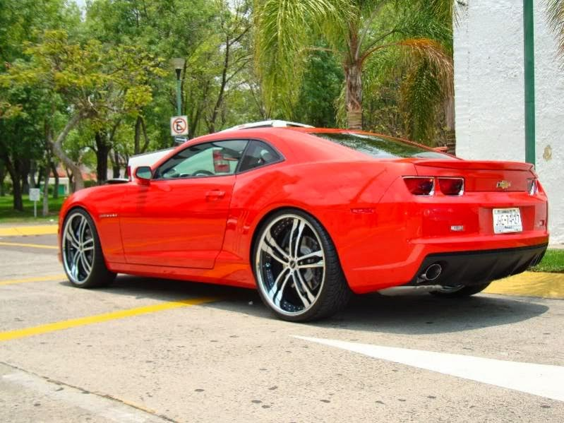 first choice wheels and tires 190 lowered 2010 camaro ss with 20 inch wheels. Black Bedroom Furniture Sets. Home Design Ideas