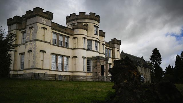 Macabro hallazgo: una fosa común con más de 400 niños, descubierta en un antiguo orfanato de Escocia