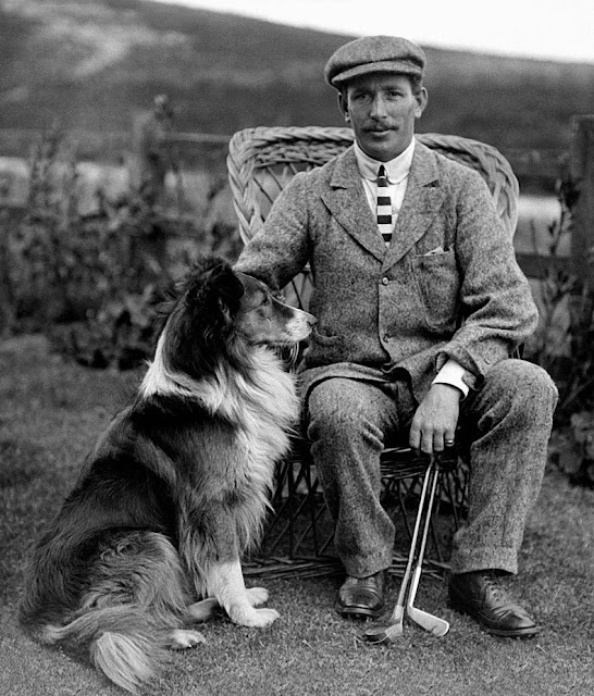 Golfer Jack White with his dog in 1904