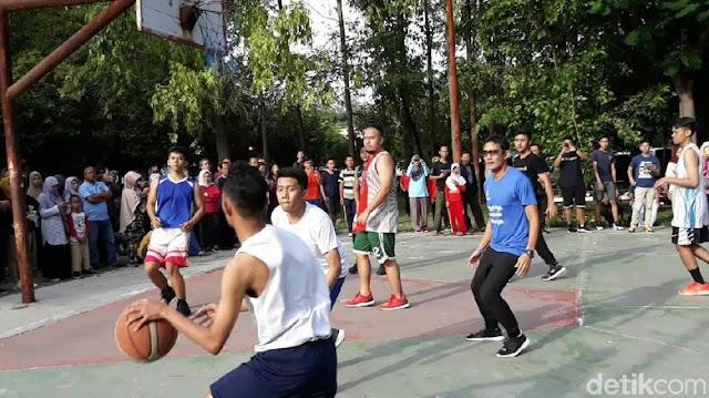 Sandiaga Ingin Ajak Jokowi Main Basket di Solo, Akankah Diladeni?