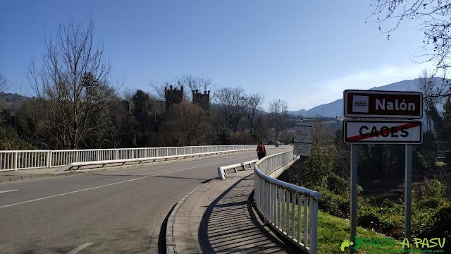 Puente sobre el Río Nalón a su paso por Caces