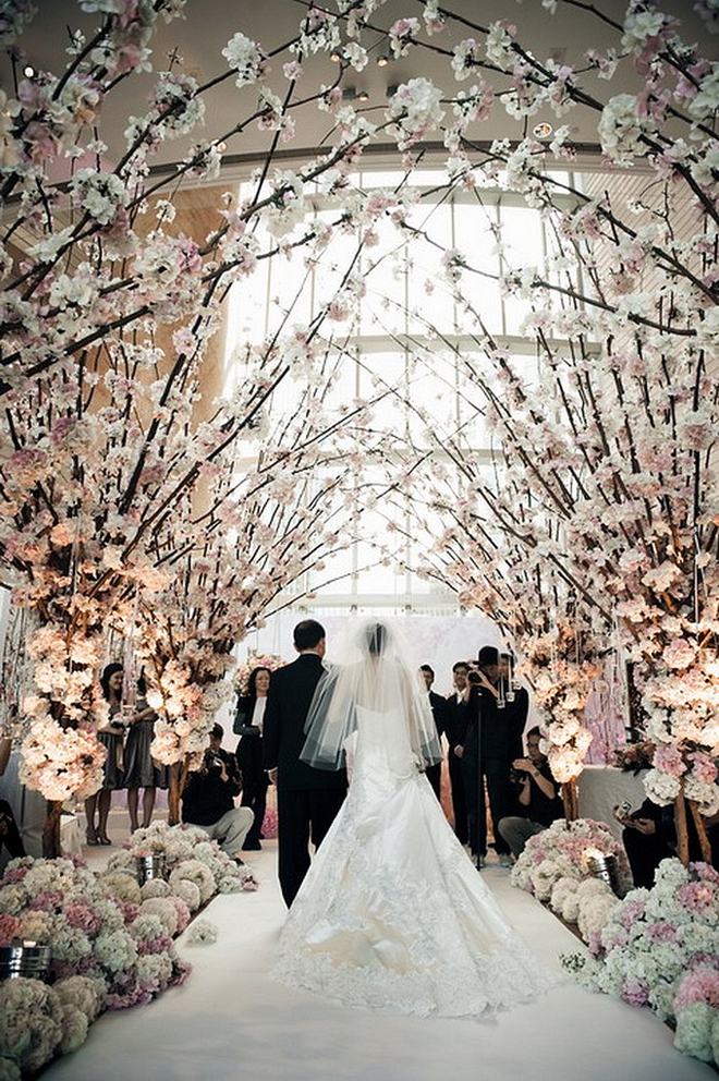 The best wedding receptions and ceremonies of 2012 belle the magazine from our feature of chandeliers and outdoor weddings image sources 1 2 junglespirit Gallery