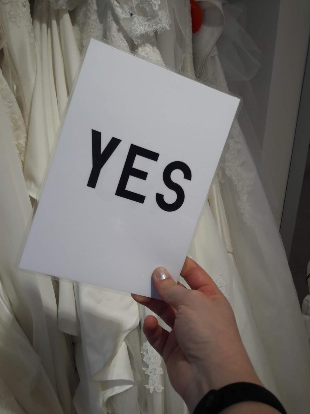 a84fcf77e ... заморачиваться с его чисткой после свадьбы, и отпадет угроза того, что  вы забудете свое платье в химчистке, как это случилось с одной из наших  невест :)