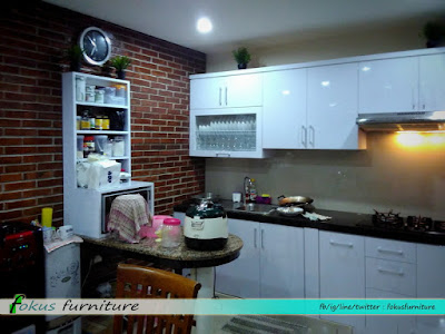 Kitchen set warna hpl putih pondok gede