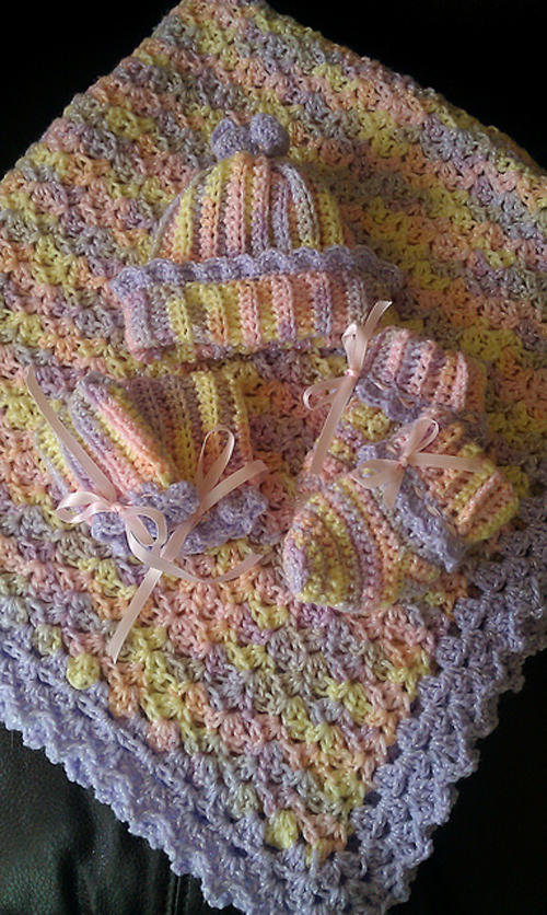 Baby Blanket with Picot Shell Border - Free Pattern