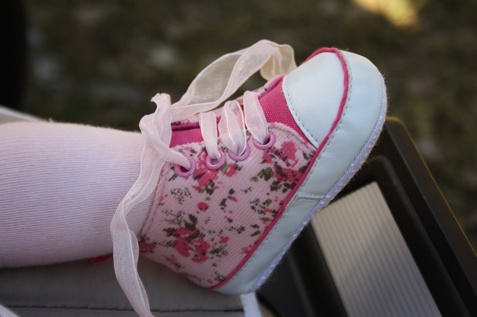 Tips Memilih Sepatu Anak Yang Baik Agar Nyaman dan Aman Tips Memilih Sepatu Anak Yang Baik Agar Nyaman dan Aman