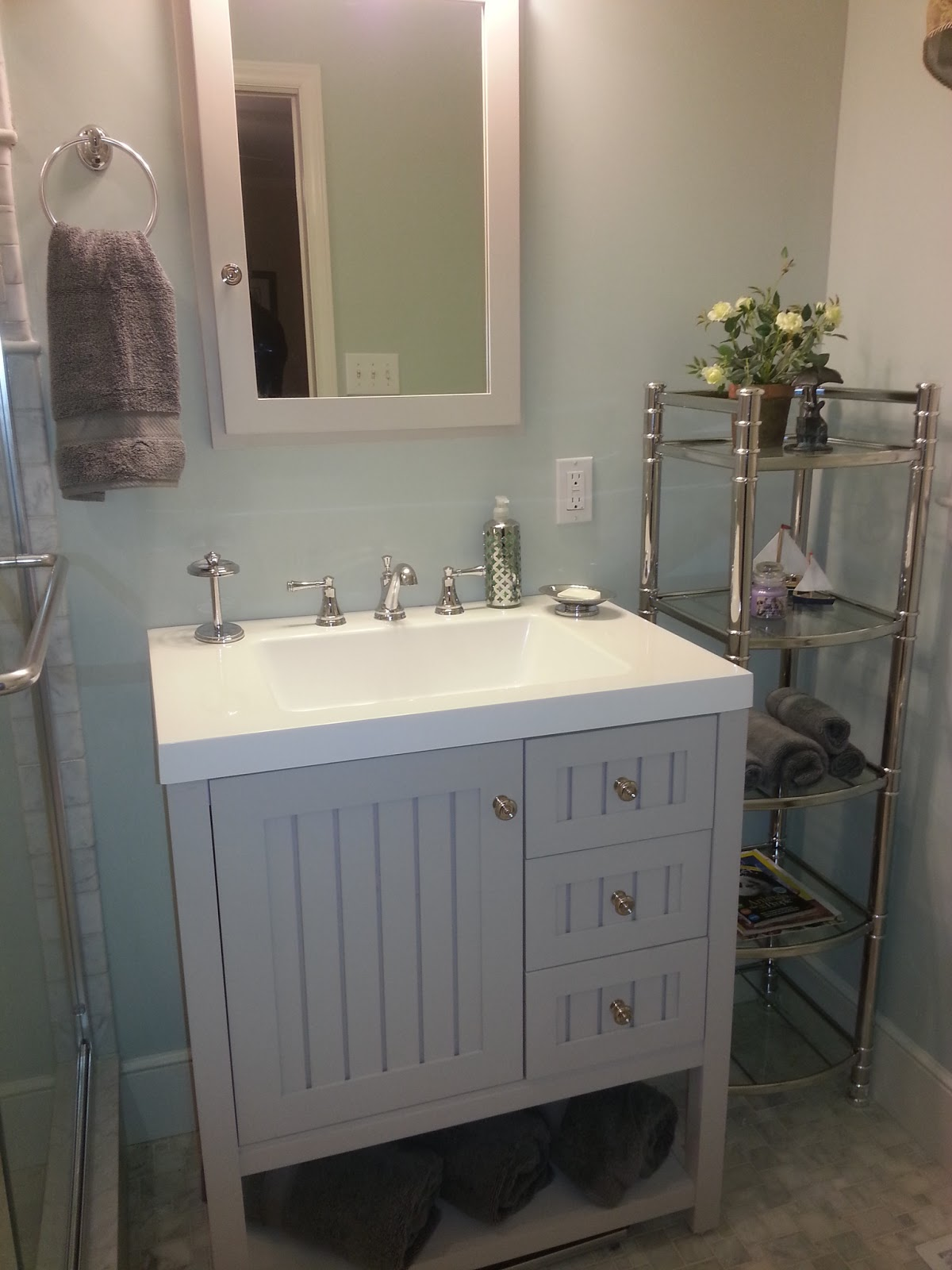 Decor You Adore Wow Before And After A Tiny Bathroom