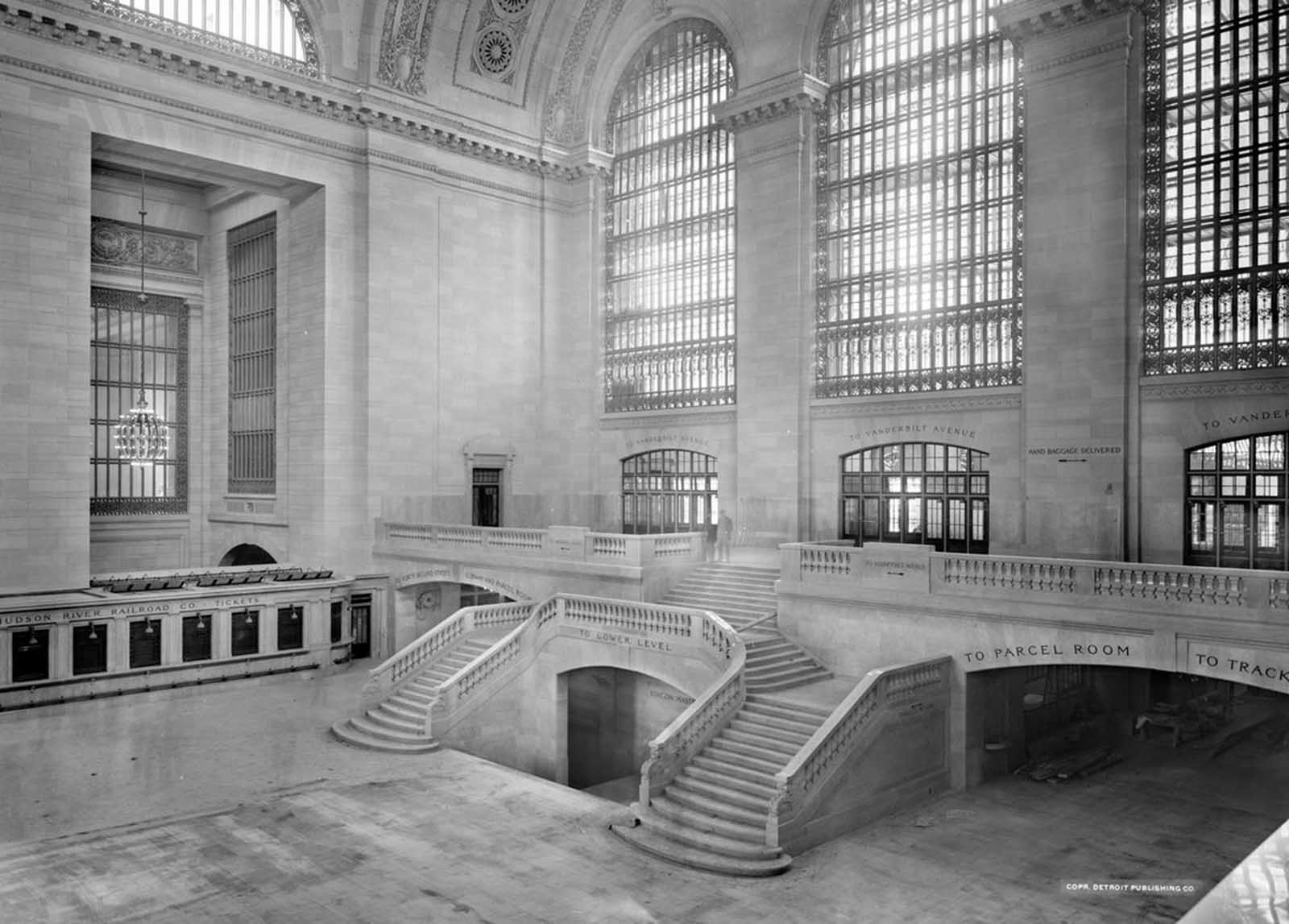 A view of the west balcony in Grand Central Station in New York in this photo taken between 1913-1930.