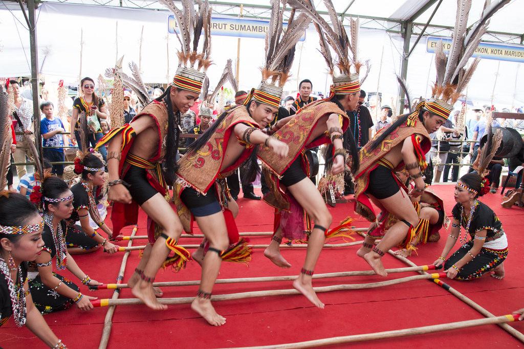 7 tari tradisional kalimantan utara tradisi tradisional rh tradisi tradisional blogspot com
