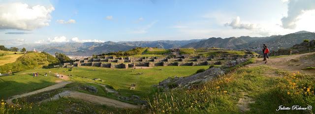 Fortesse inca de Sacsayhuaman au Pérou