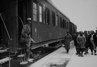 Arthur Ransome in Russia in 1917