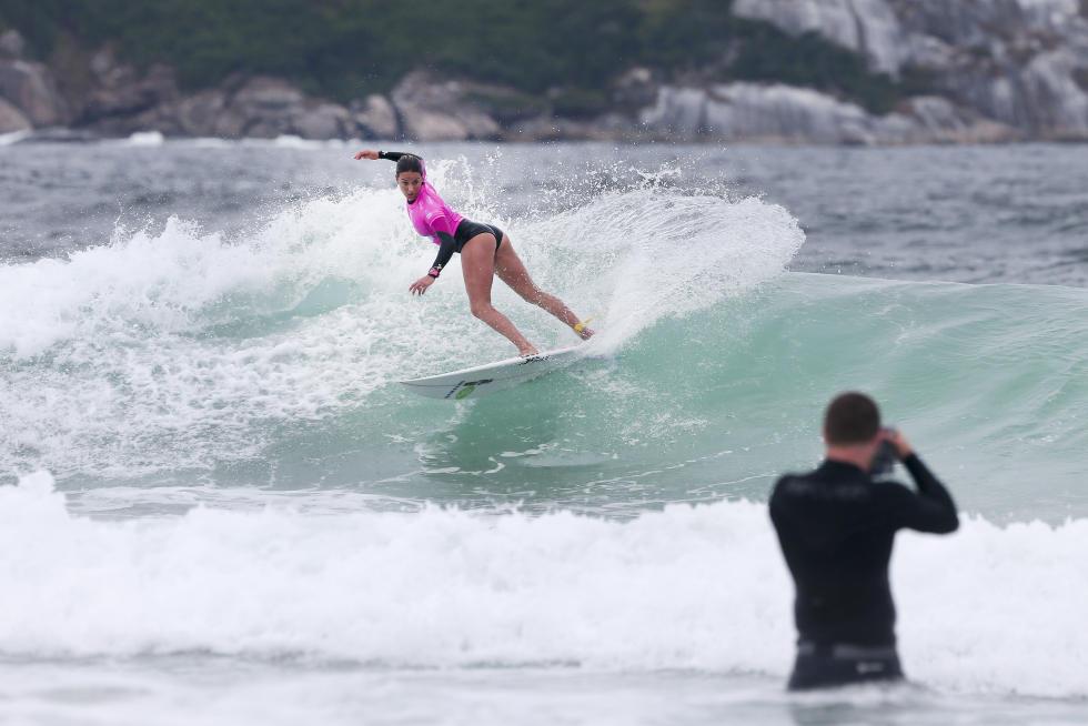 30 Sally Fitzgibbons Oi Rio Pro Foto WSL Kelly Cestari