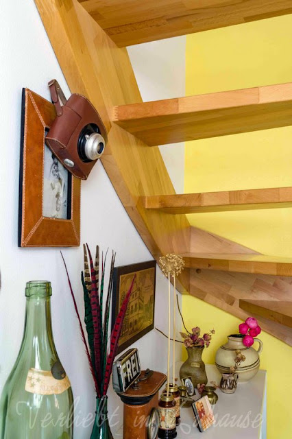 In der Lieblingsecke unter meiner Treppe landen plötzlich wieder ganz alte Liebhaberstücke aus meinem Deko Fundus
