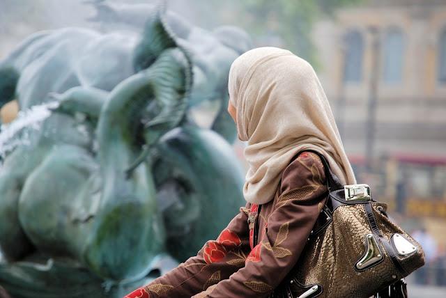 Hukum Wanita Berhias untuk Suami dan Bukan untuk Suami