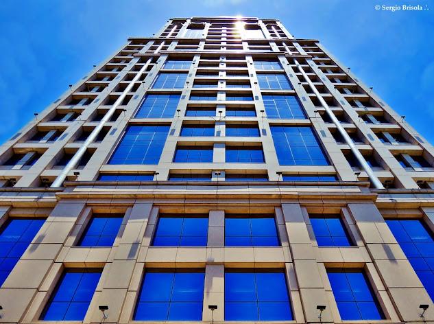 Perspectiva inferior da fachada do Edifício Mapfre - Cidade Monções - São Paulo