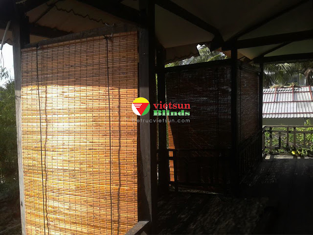 Mành trúc che nắng Việt Sun Blinds được làm hoàn toàn từ nguyên liệu trúc tự nhiên