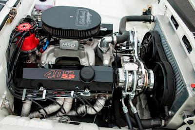 Opala com Motor v8