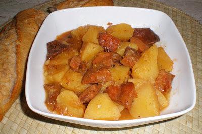 Patatas con niscalos guiso receta cocina gastronomia setas vegetariana vegana