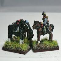 ACW32 Mounted Horseholder + 3 horses – forage caps (x2).