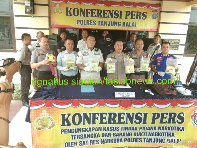Kapolres Tanjungbalai AKBP Irfan Rifai saat konfrensi pers.