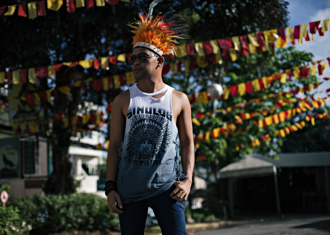 CEBU-MEN-FASHION-BLOGGER-ALMOSTABLOGGER-SINULOG.jpg