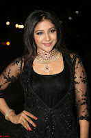 Sakshi Agarwal looks stunning in all black gown at 64th Jio Filmfare Awards South ~  Exclusive 138.JPG