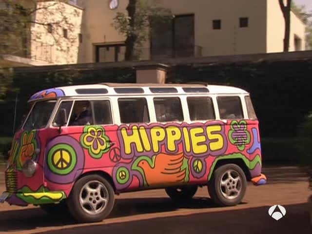 le camping car passe partout camping car insolite sp cial combi hippies. Black Bedroom Furniture Sets. Home Design Ideas