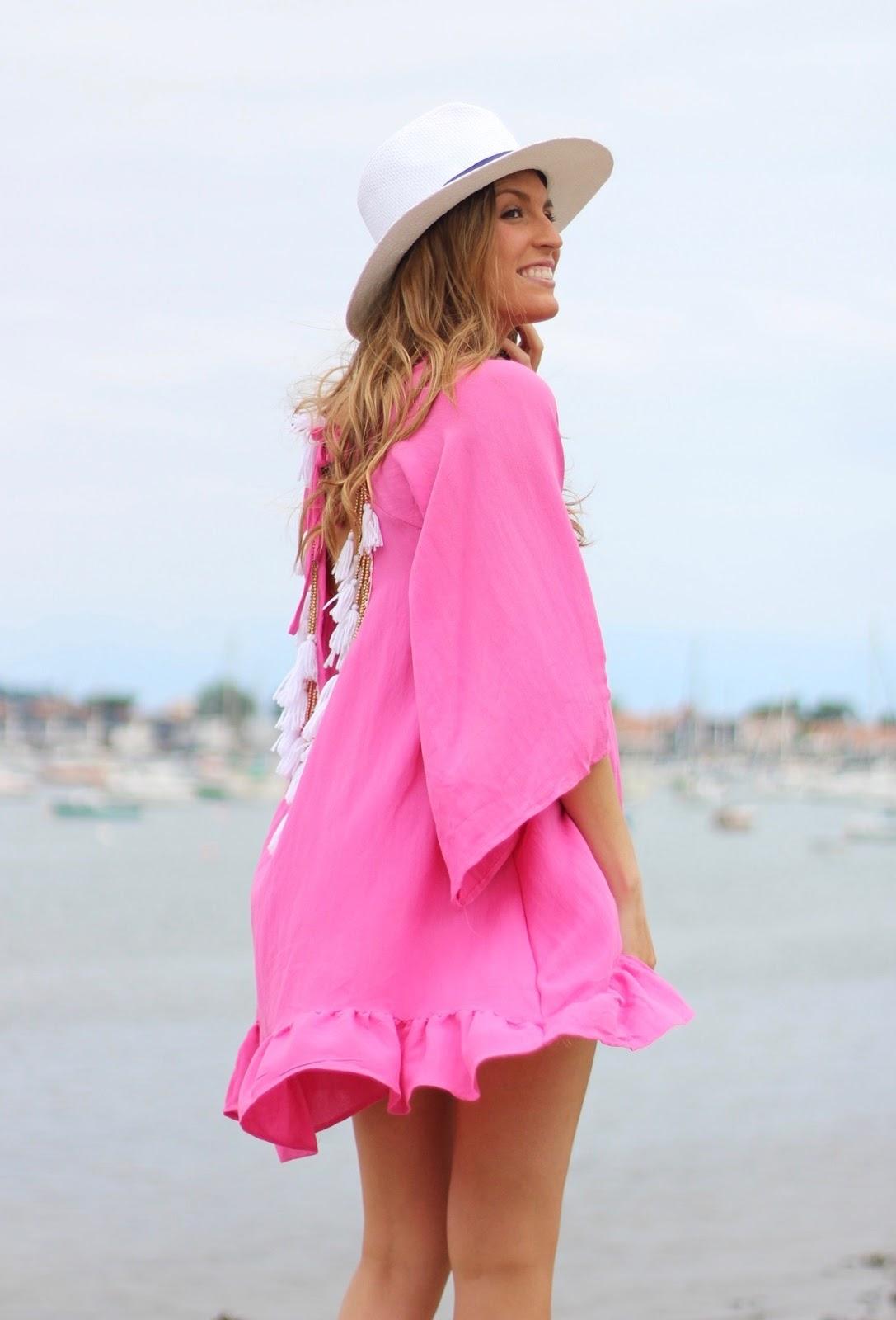 vestido playero con espalda al aire