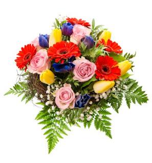 Arreglo Floral Con Muchas Flores De Colores Bonitas