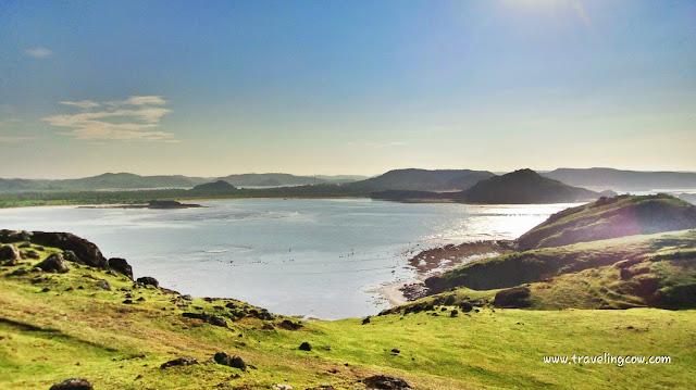 Panorama Indah pantai kuta dan tanjung aan dari bukit merese