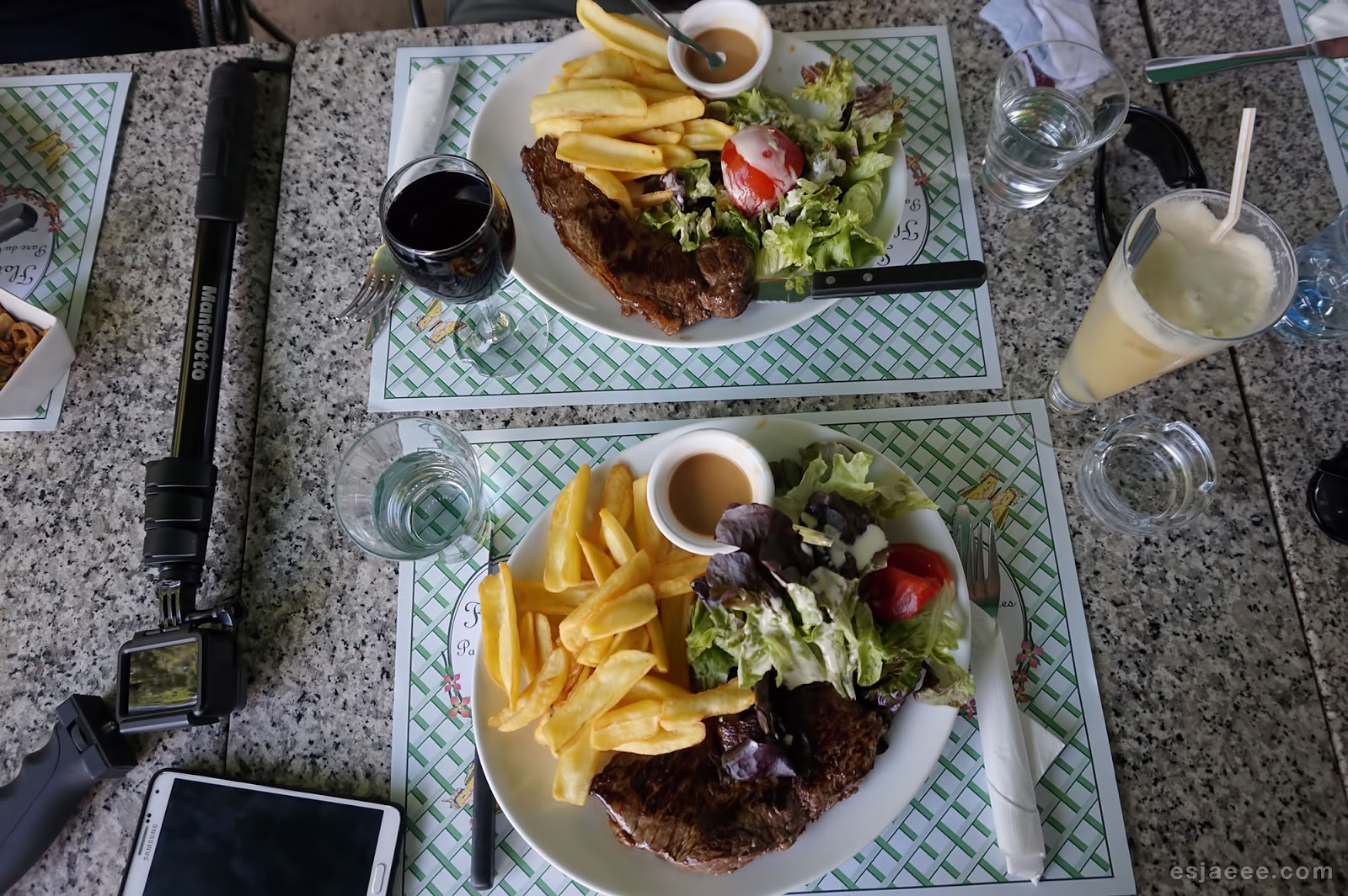 Lunch at La Flottille