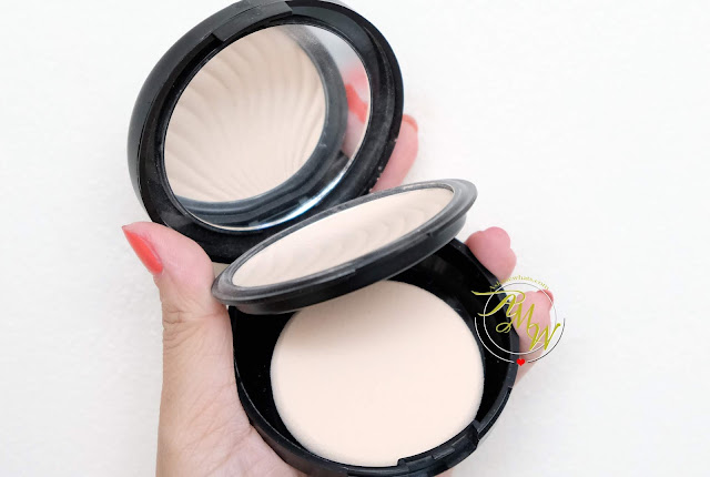 a photo of Flormar Wet & Dry Compact Powder Review by Nikki Tiu of www.askmewhats.com