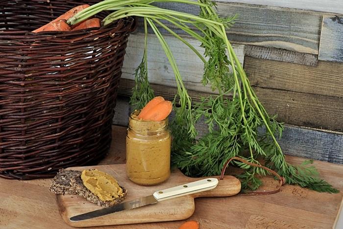 veganer Karotten-Linsenaufstrich