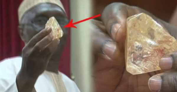2qdRDae This Pastor Found A 709-Carat Diamond. What He Did To The Precious Stone Afterwards Really Helped Their Country!