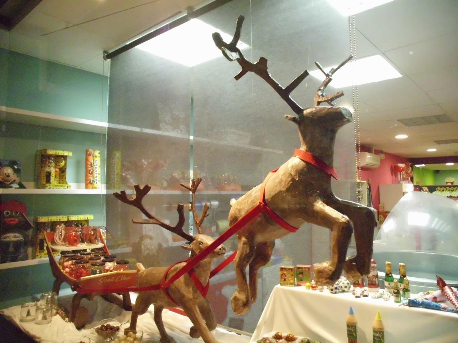 escaparate navideño fantasia trineo de santa claus y renos