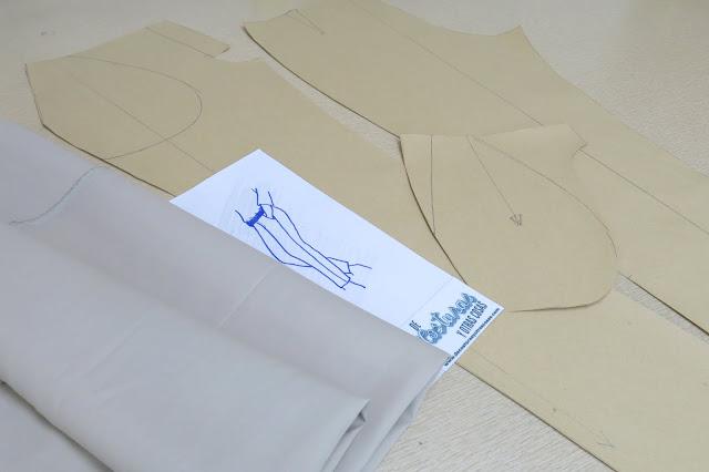 pantalón en tela de gabardina