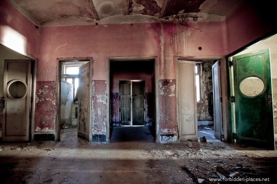 Sabinosa's Sanatorium, Spain | 10 Scariest Abandoned Hospitals in the world