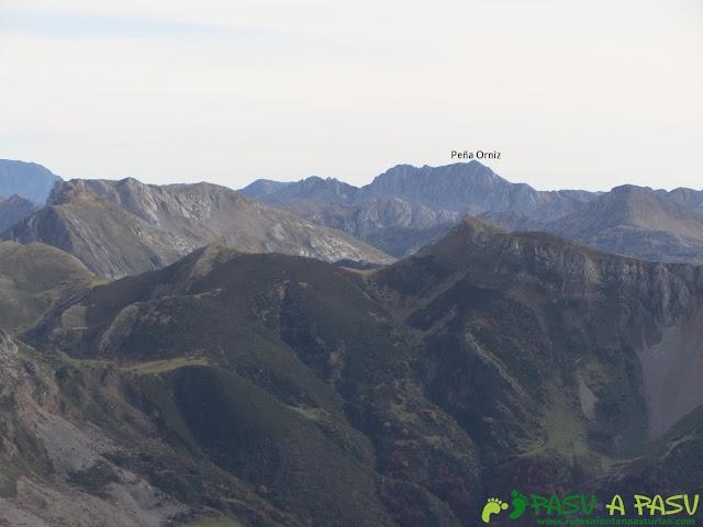 Vista de Peña Orníz desde el Pico Mocoso