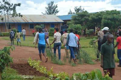 GS Ruhanga-Abanyeshuri baratabaza Leta kubera ubusambanyi bwibasiye bagenzi babo